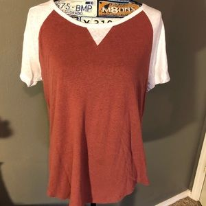 5/$25 vintage Gap burnt orange T-shirt